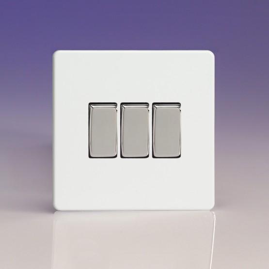 Tripla váltó/egysarkú billenőkapcsoló fehér műanyag