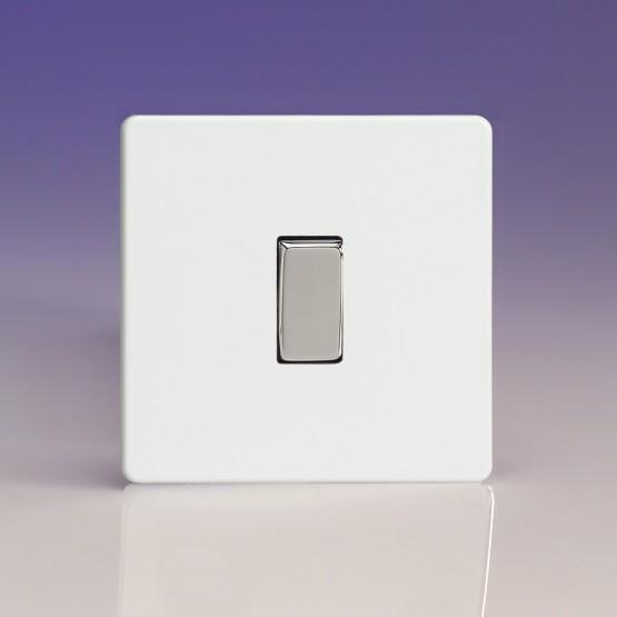 Szimpla billenő keresztkapcsoló fehér műanyag